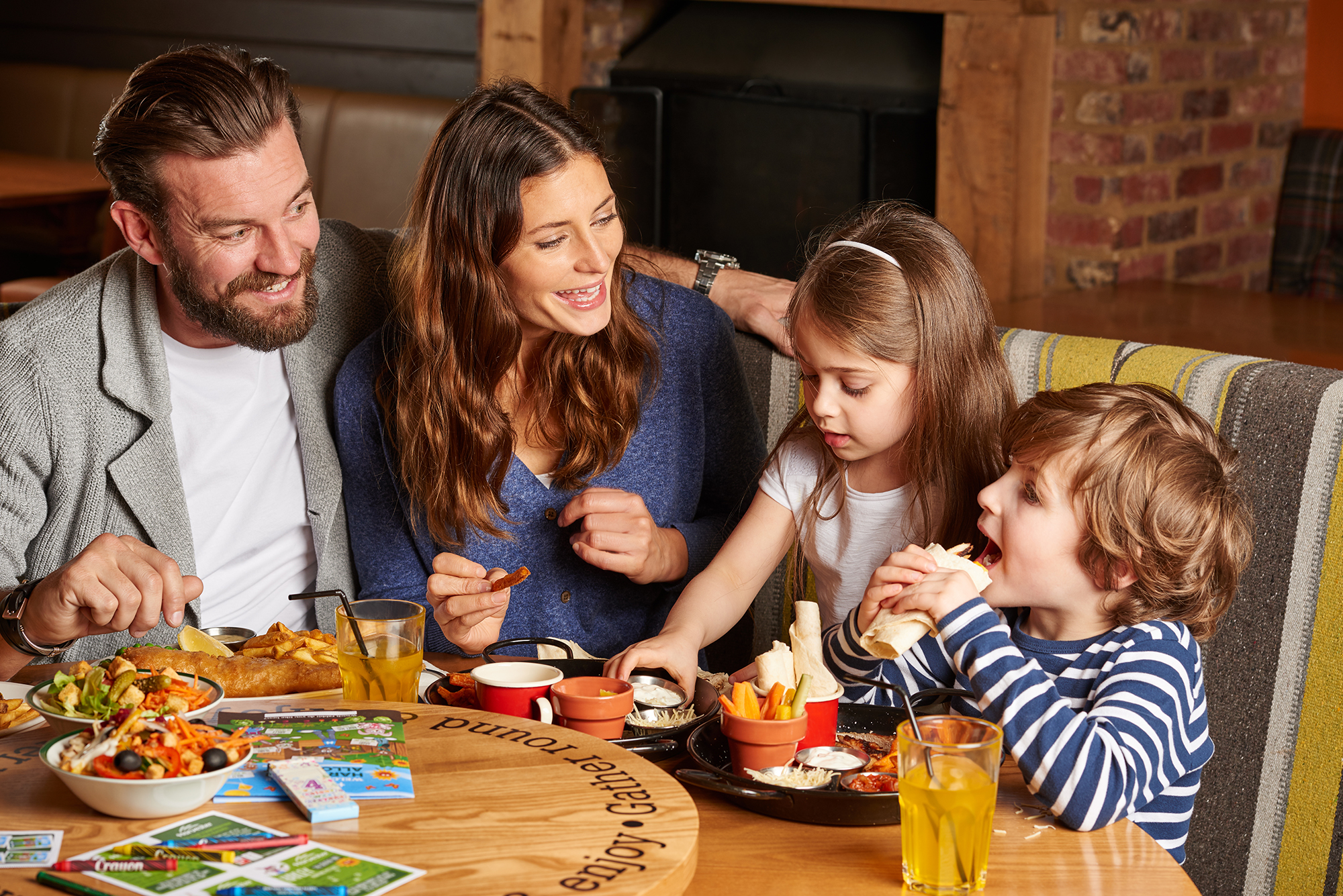 Family lifestyle photography for Harvester Restaurants