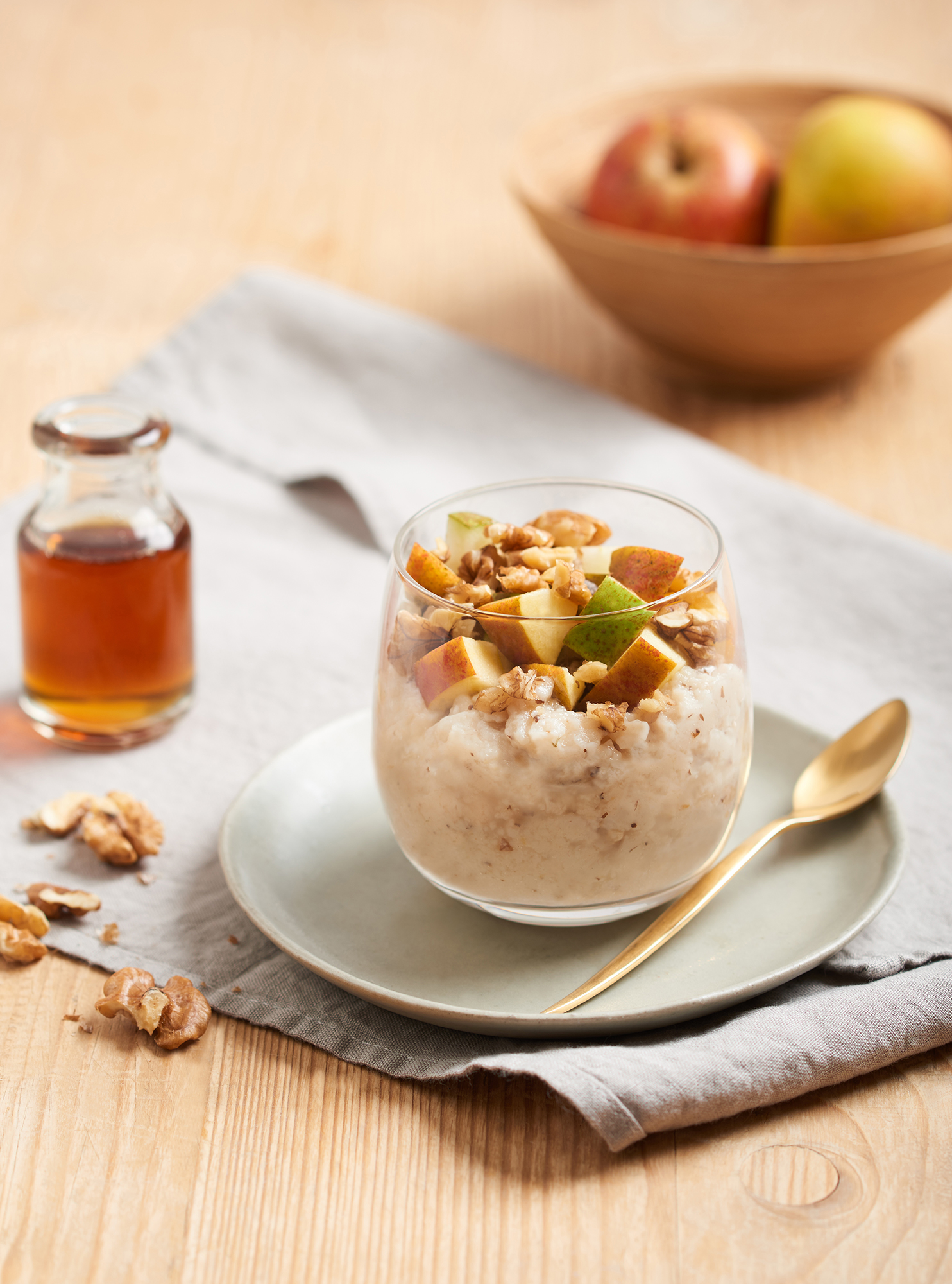 porridge with apples by Holly Pickering