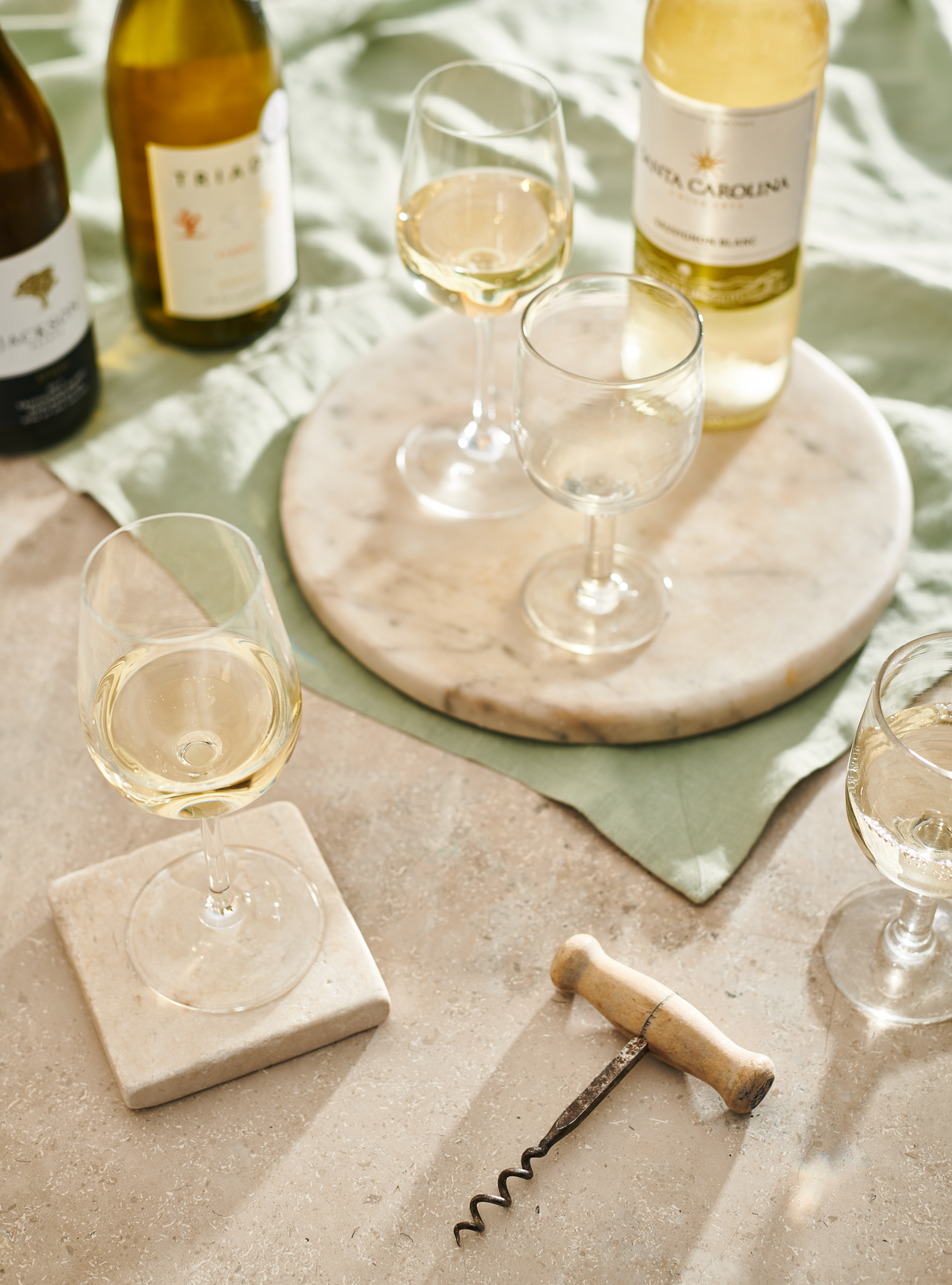 summery white wine lifestyle image, wine photography