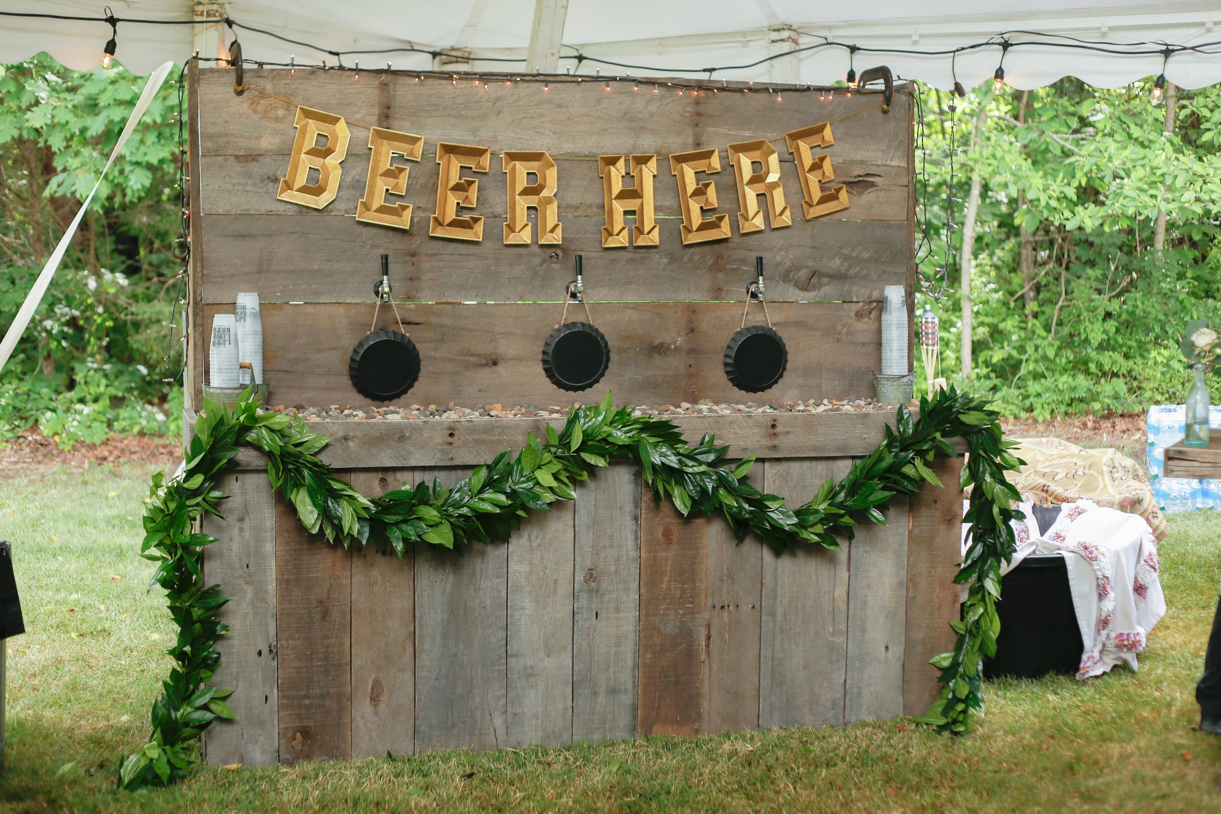 style altard st lors wedding beer bar