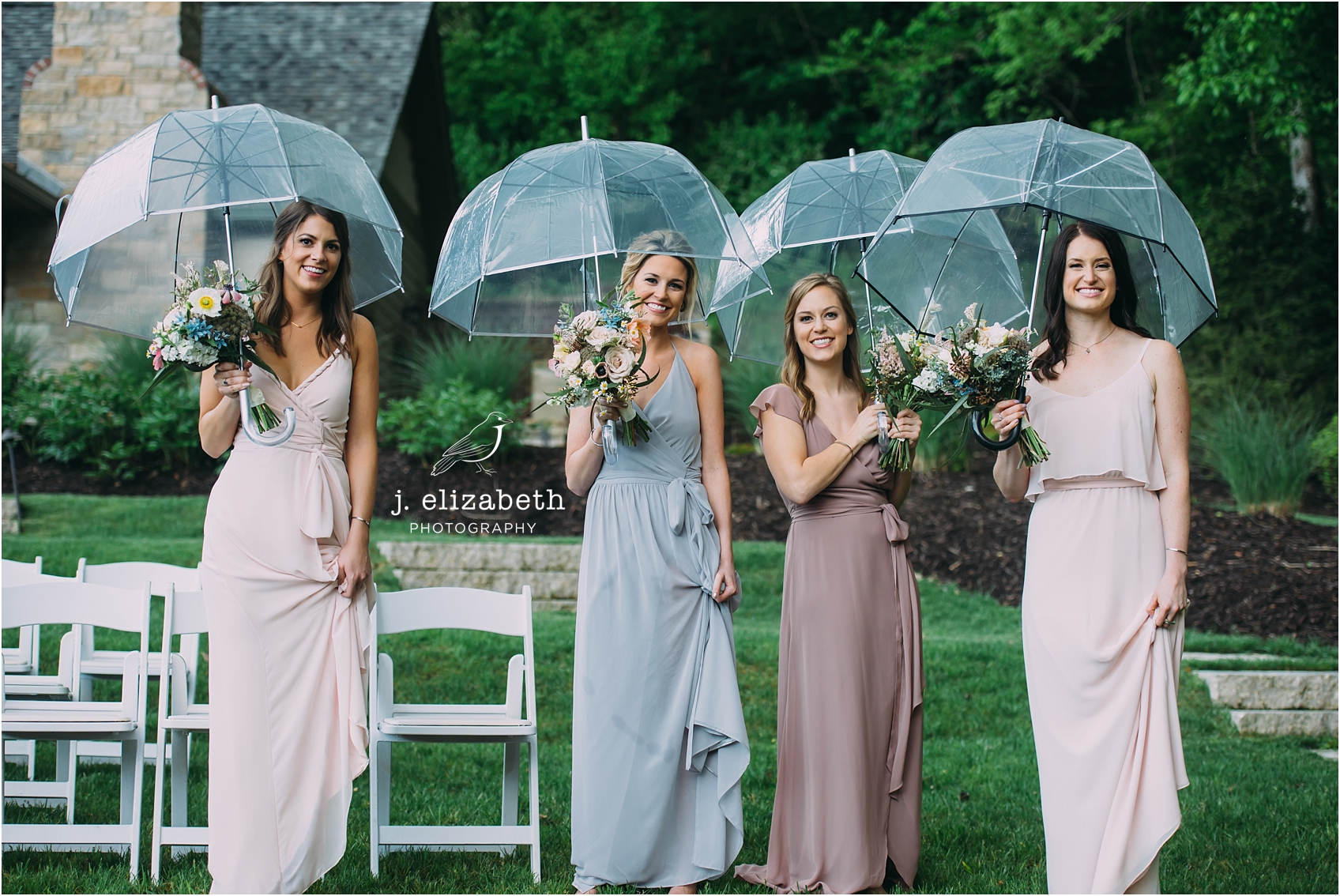 style altard bridesmaids umbrellas