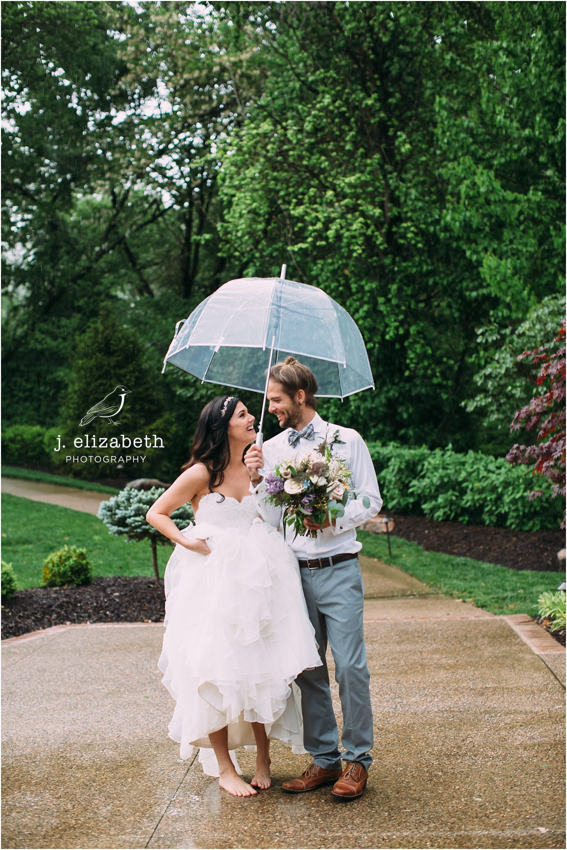 style altard st louis wedding rainy love