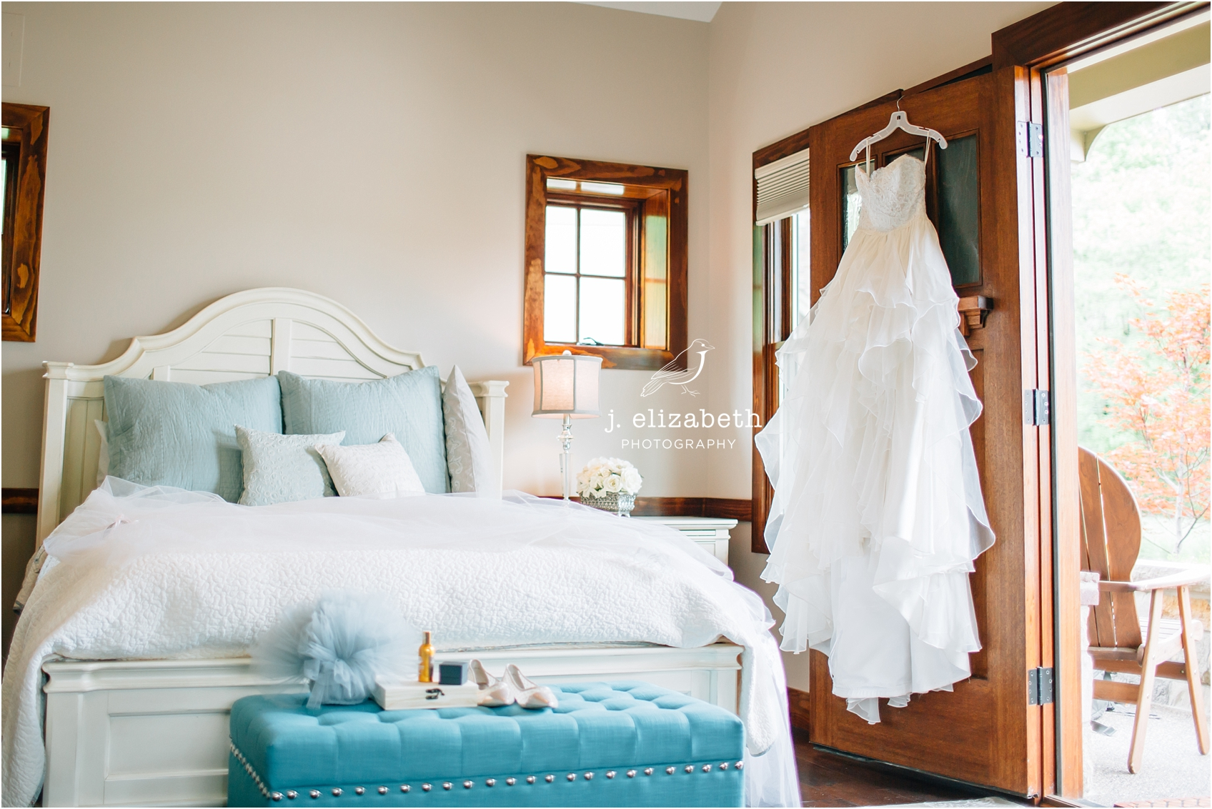 style altard st louis wedding bridal suite