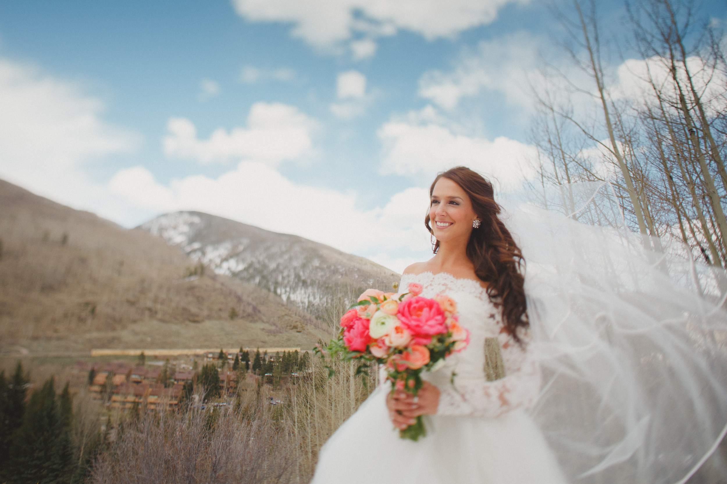 Flowers by Lace and Lilies, Vail Colorado, Blush, Peach and Coral bridal bouquet