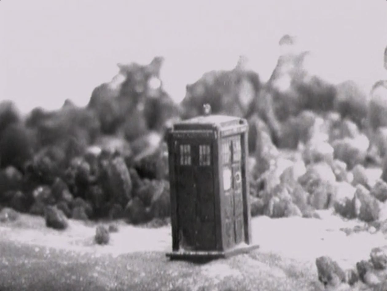 Classic-Doctor-Who-Screenshot-TARDIS.jpg