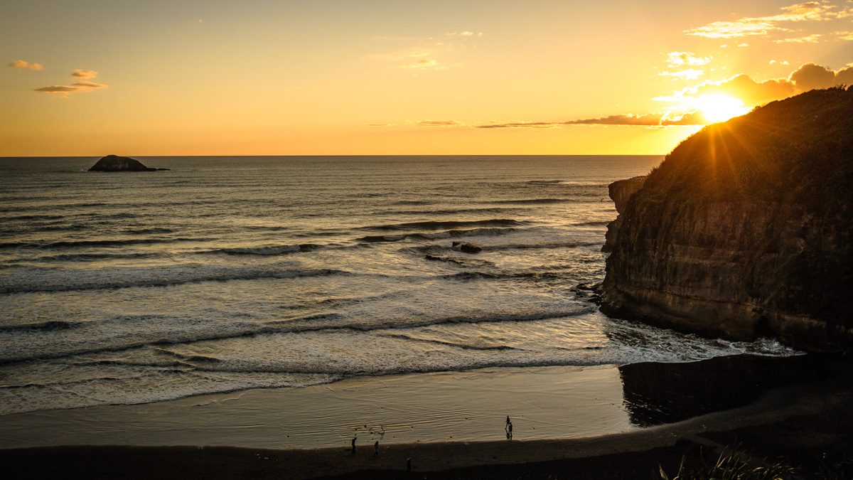 One more of Maori Bay at sunset I forgot to add first time around..