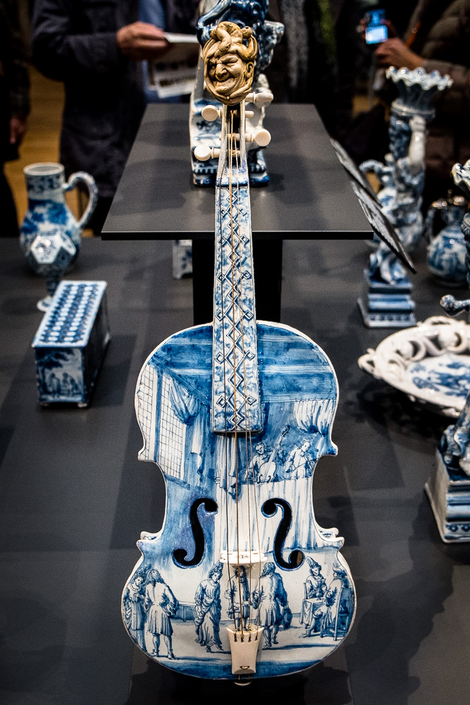 A Delftware violin. It doesn't play, but at the time was the most valuable Delft piece in the world.