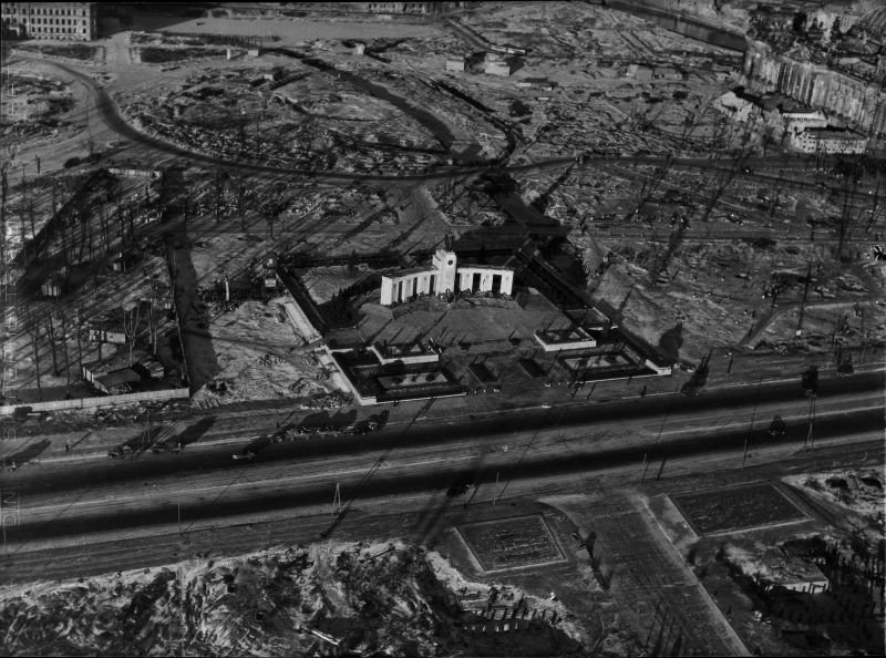 Construction in 1945. Ruined Reichstag at the top right. Photo by Hein Gorny.