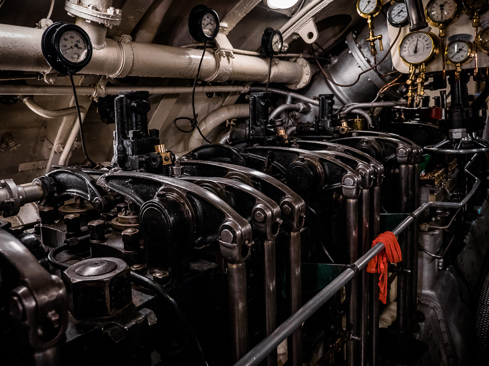 HMS Alliance engines