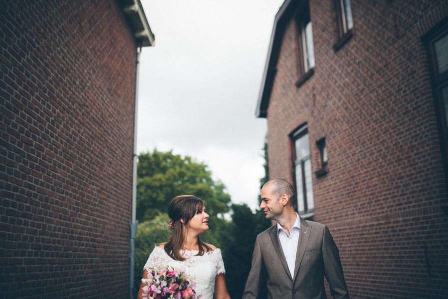 Los callejones entre las casitas de ladrillo nos parecieron un lugar perfecto para hacer fotos de pareja.