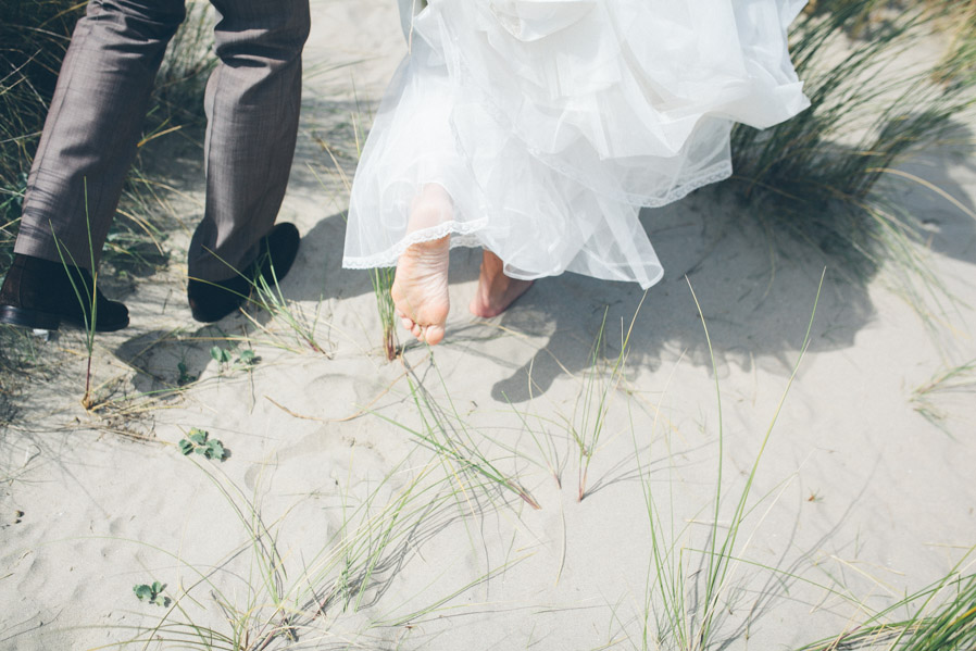 La novia descalza, antes de la ceremonia.