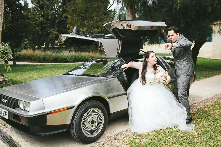 Nadie puede resistirse a hacer esta foto al ver un DeLorean.