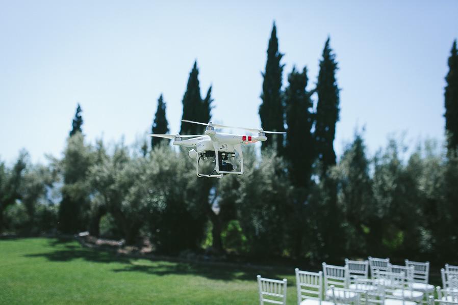 BBrrrrrrrrrzzzrrrrrrzrzzzrrzrzrzrzrzrzrzrrrrrrrrrzzzzziiiiiiirrrweeeeee (así es como hablan los drones)