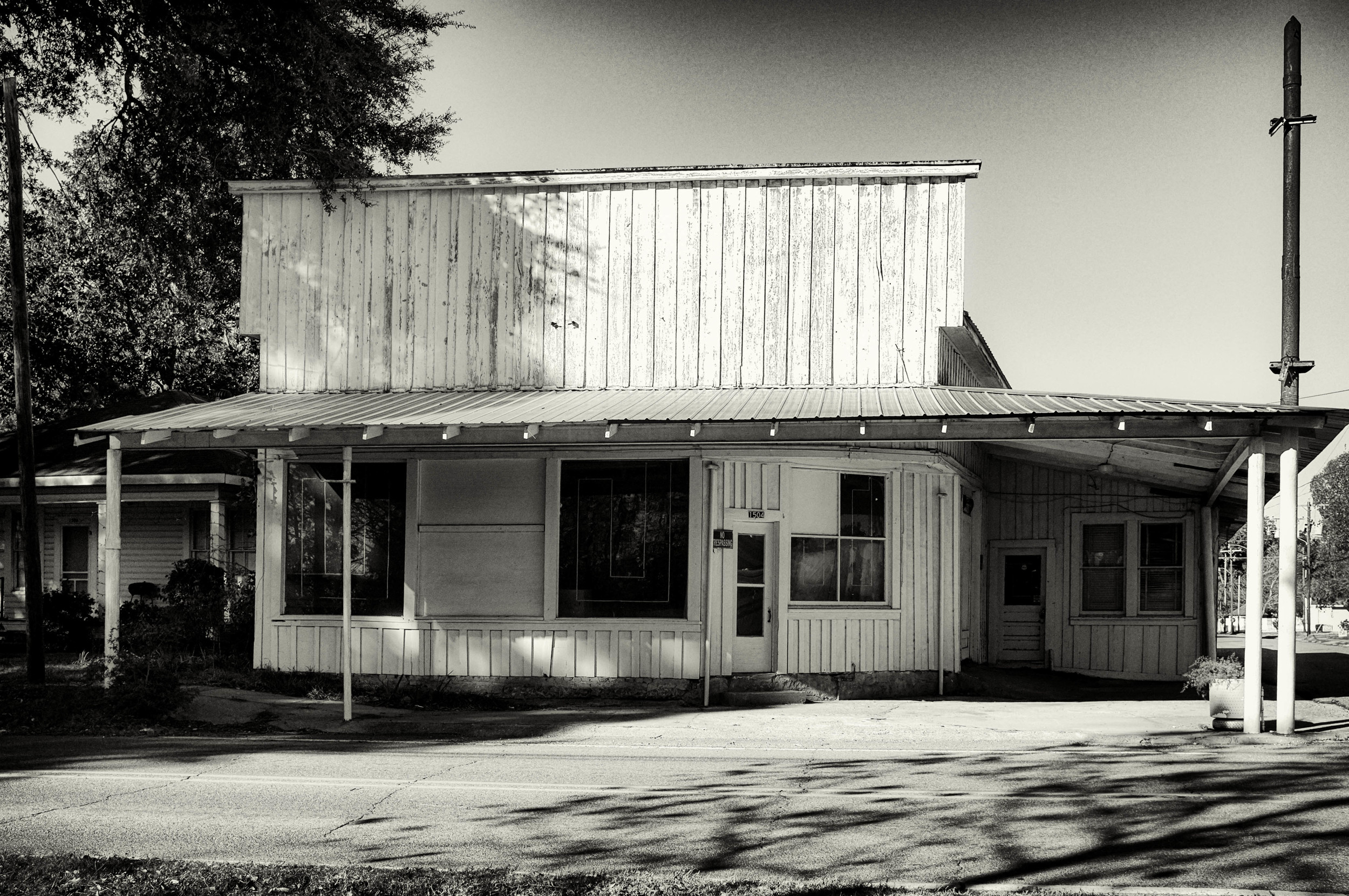 Roby's Motors, closed for business.
