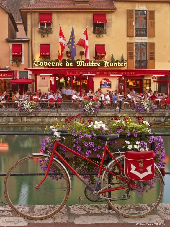 WC%20TSB%20BICYCLE%20TAVERN%20ANNECY.jpg