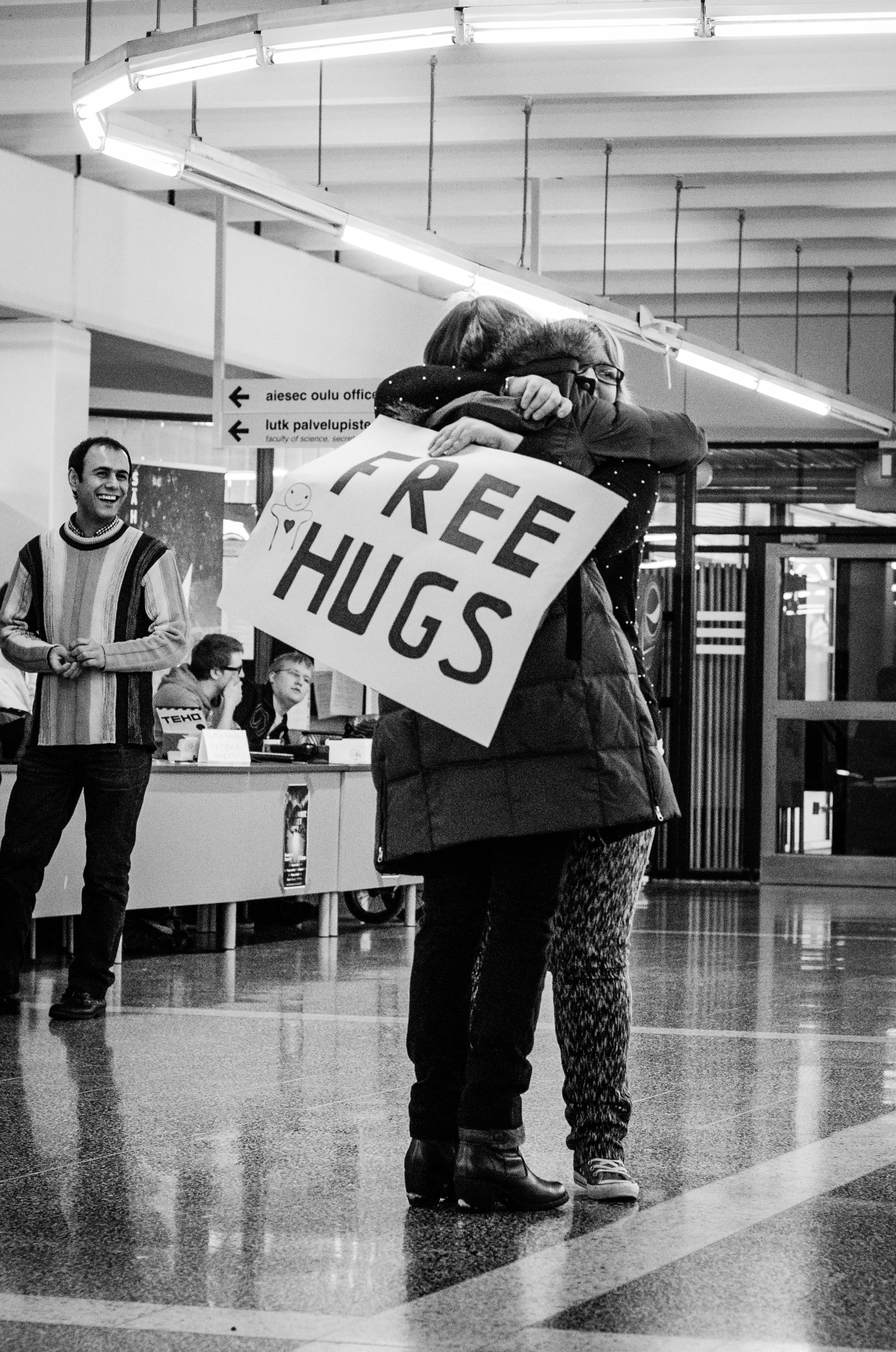 Day 021: Free hugs