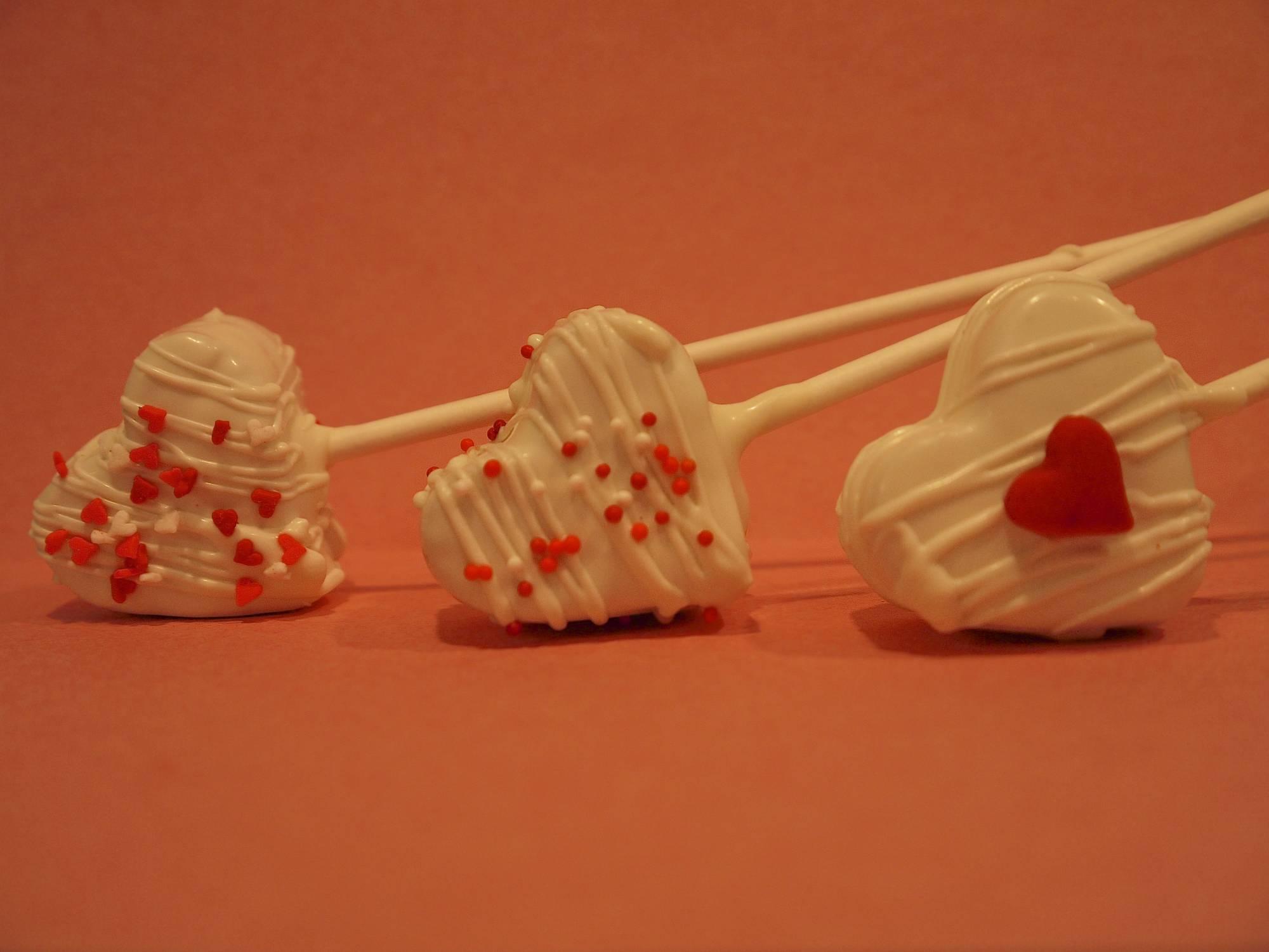 Heart Cake Pops.jpg