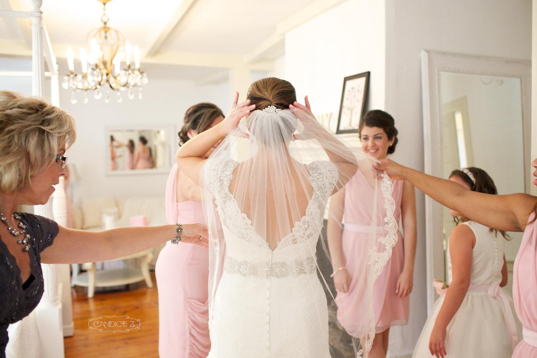Cottage_House_Wedding_Get_Ready.jpg