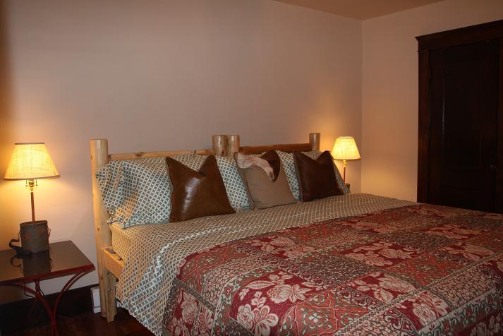 Cherry Run Suite: King Size Bedroom