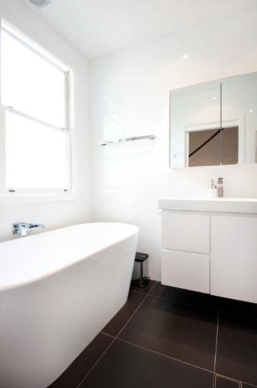B2_Bathroom_10.jpg