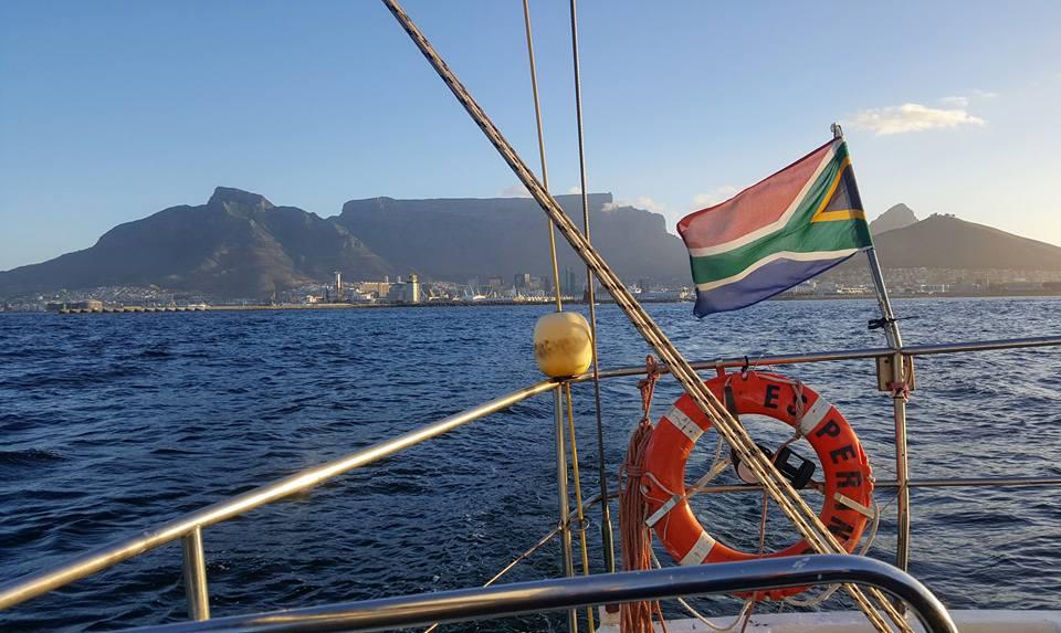 Lauamägi ja Lõuna-Aafrika lipp. Foto: Charlene Niehaus