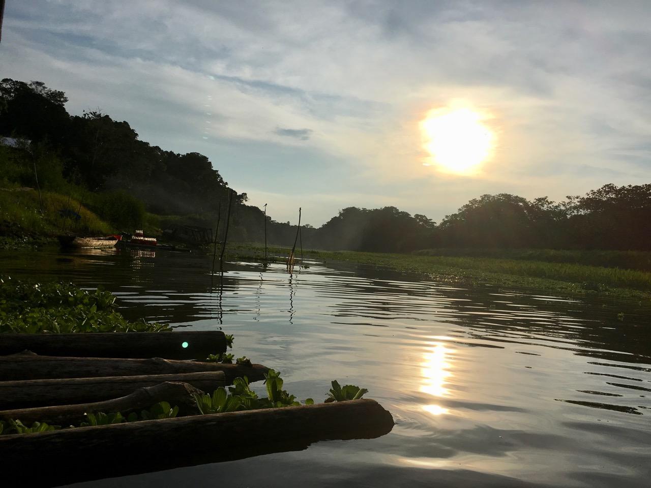 Varaõhtu koduse San Juan'i küla sillal. Foto: Kaidi Reinu /Amazonas Reisid