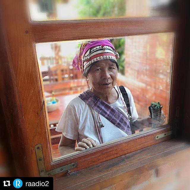 """#Repost @raadio2 ・・・ Reispass rändas Laoses, kus Rene Satsi  on kommunistlikust ja nuhkidest kubisevast riigirežiimist hoolimata käima pannud  kogukonnast hooliva ökoturismiettevõtte. See Laos, mida näitab Rene, on  päriselt ürgne, raju ja eksootiline ka kõige karmimate, kuid sellegipoolest vahel lehelõikajasipelga  kombel sama rada käivate seljakotimatkajate jaoks. Millest selline enesekindlus? Küsime. Lisaks loosime 3 raamatut - vaata Facebookist """"R2 Reispass"""", sest võiduvõimalus on kindlasti suurem kui null :) Saade juba järelkuulatav r2.err.ee/reispass  #sensorialtravel #värskejavaba #offthebeatentrack #reispass #traveldeeper #travelwriters #reisiraamat #laos🇱🇦 #laostyle #laolao"""