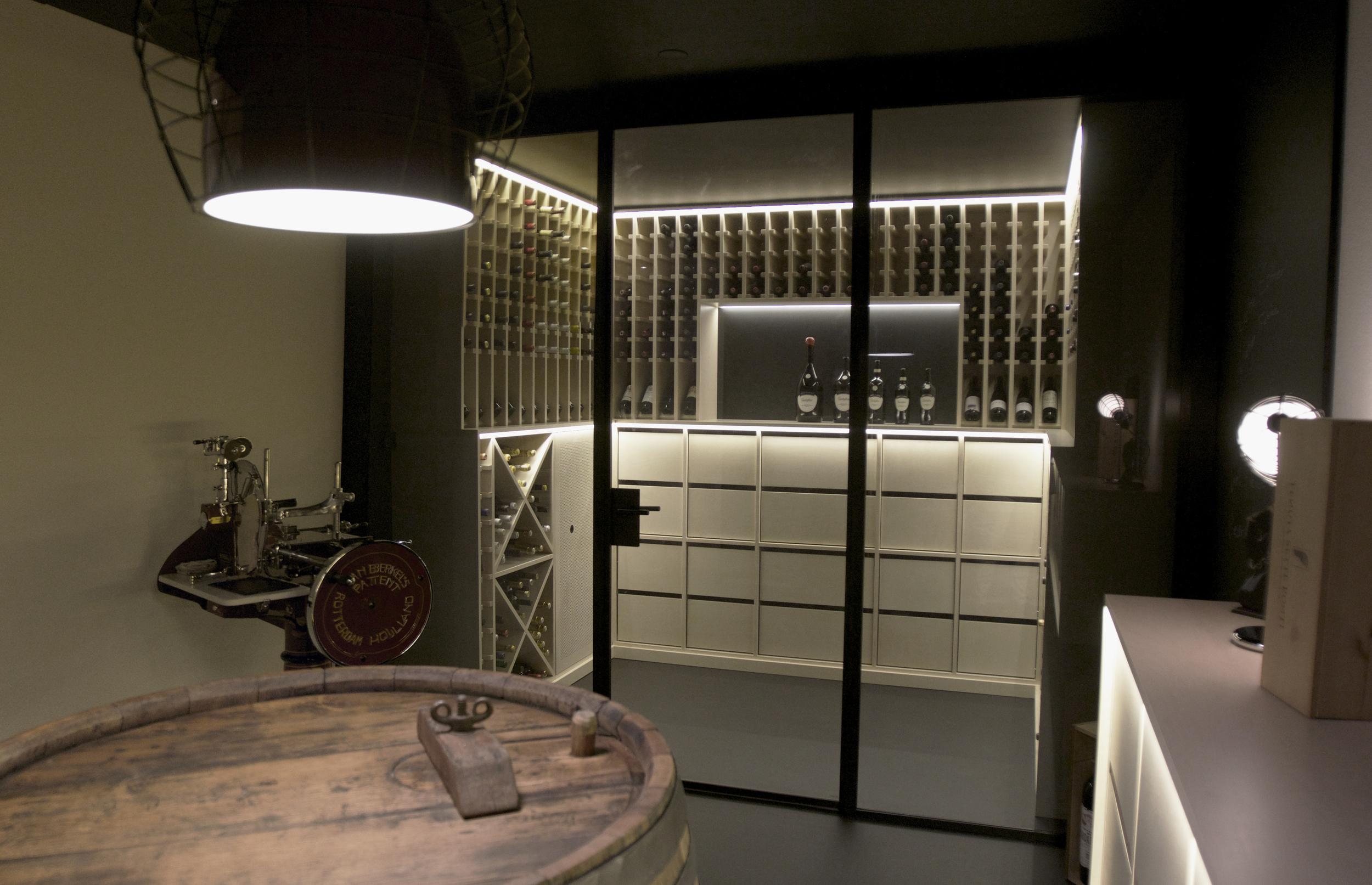 Weinkeller_Design_Studer_Luzern_Innenarchitekt.jpg