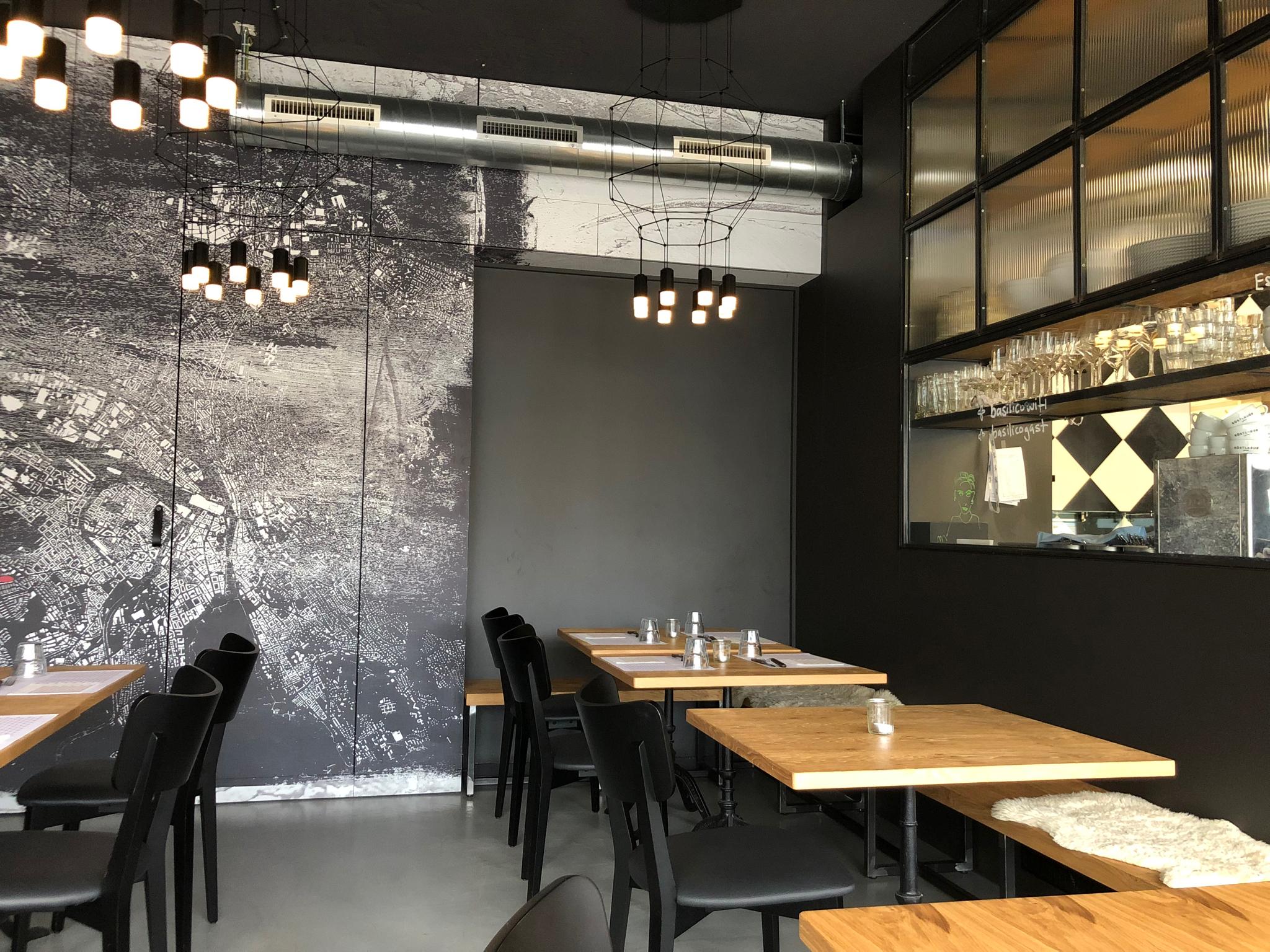Pizzeria_Restaurant_Innenarchitekt_Innen & Architektur_Studer.jpg