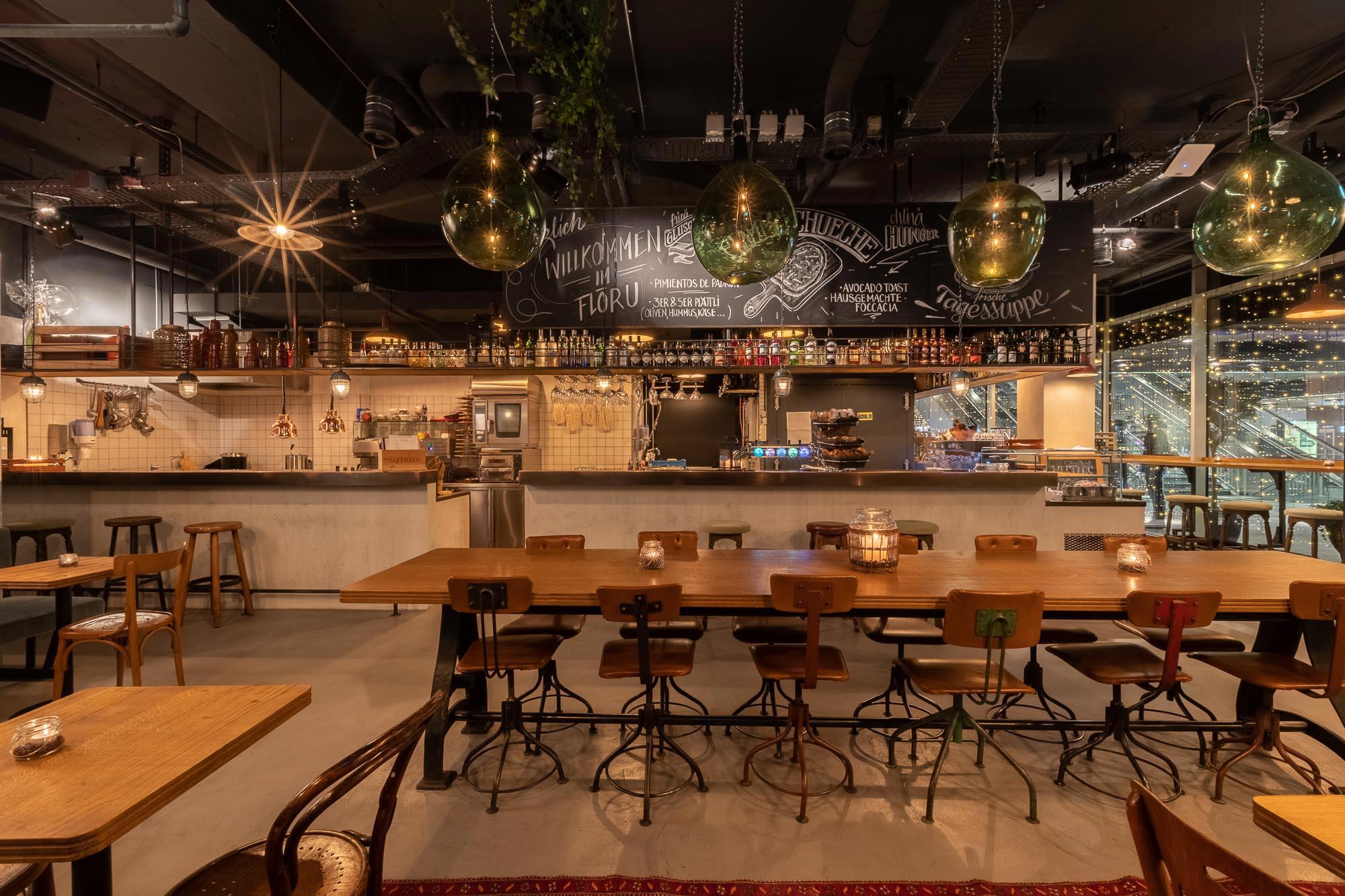 Innenarchitekt_Restaurant_Innen & Architektur_Studer.jpg