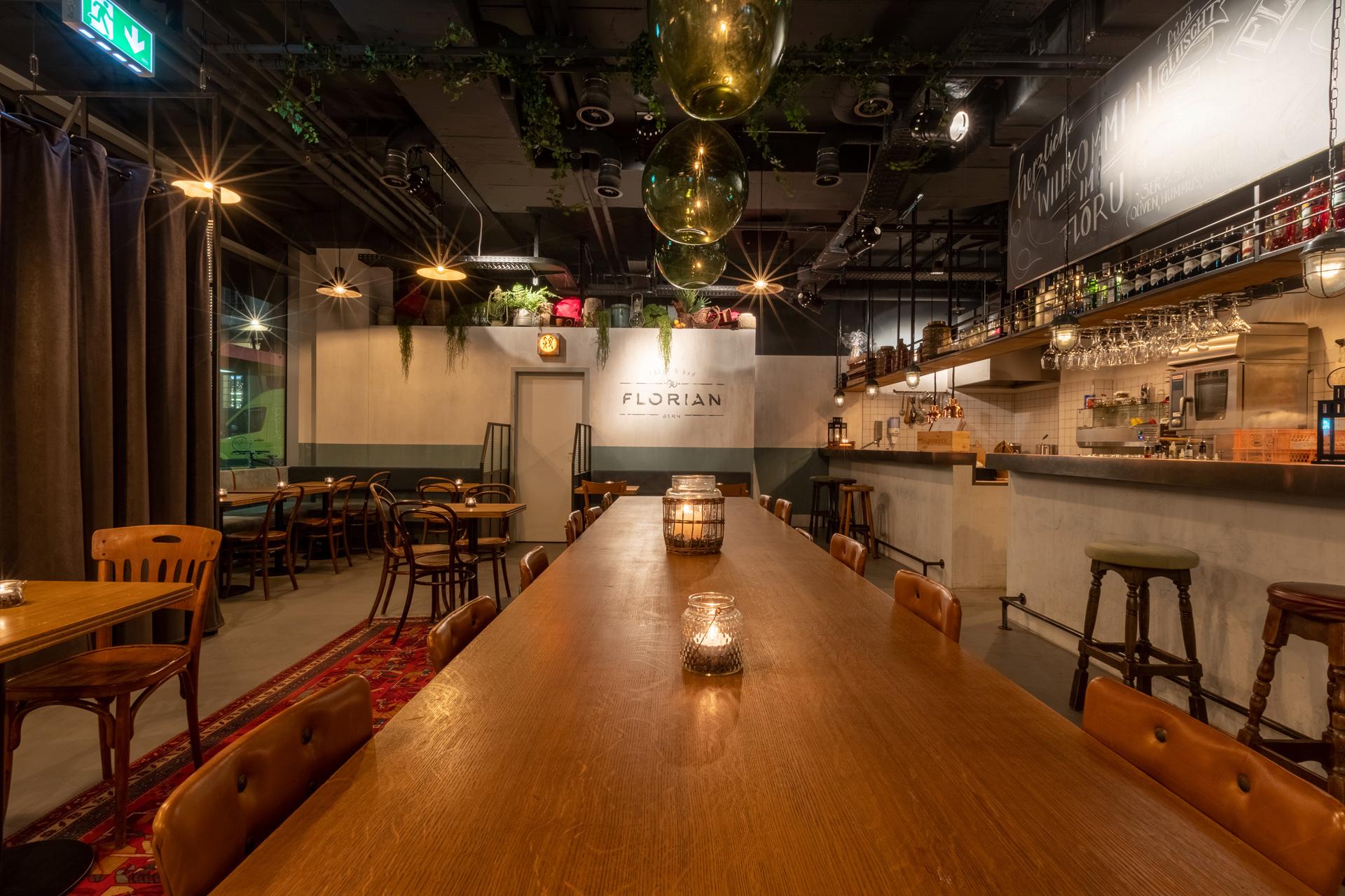 Restaurant_Bar_Innen & Architektur_Studer.jpg