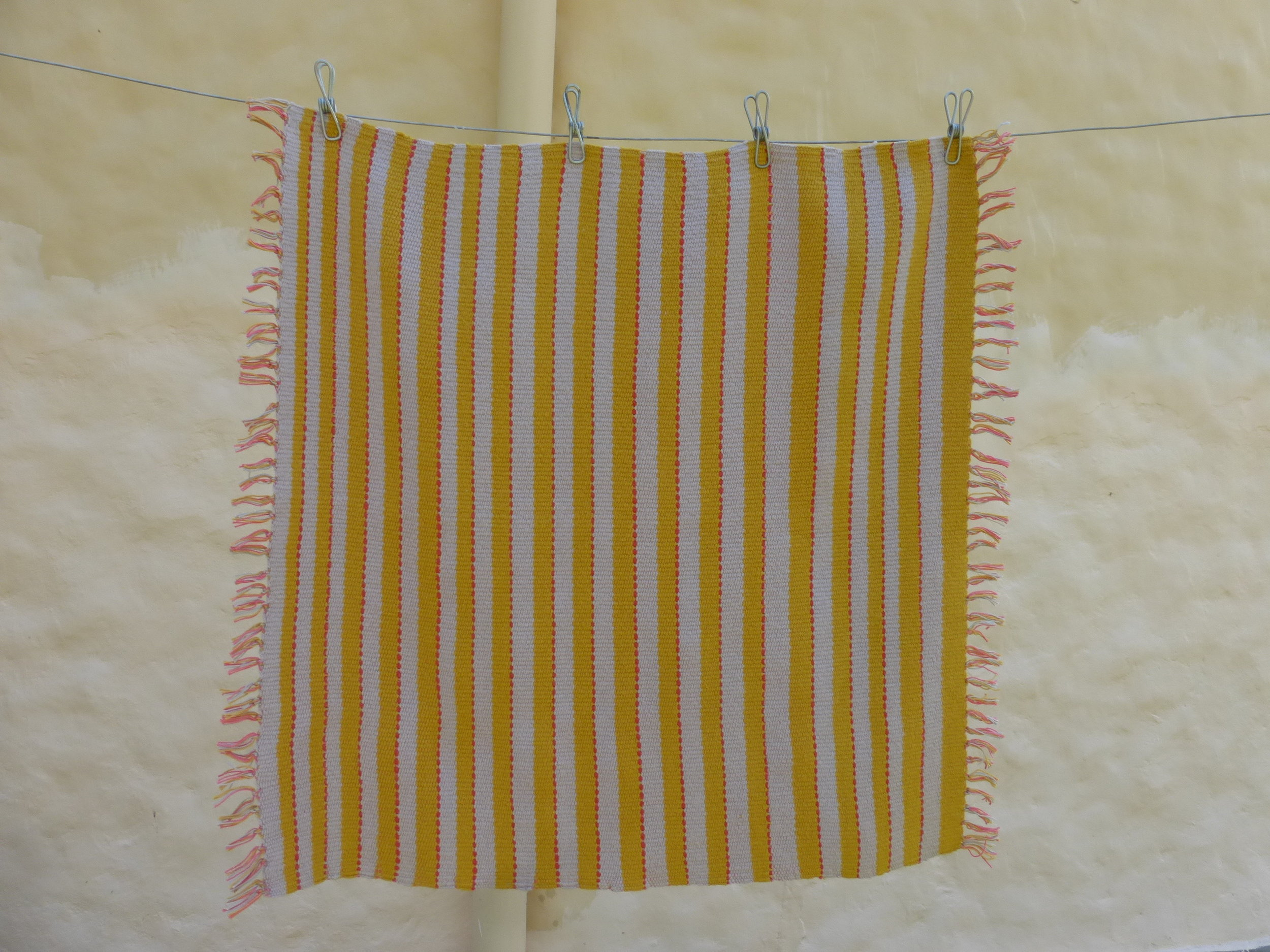 In the second sample I used just two colors of the thicker cotton thread alternating with the linen ribbon.