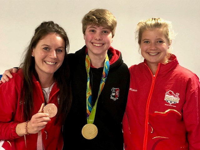 Laura Gardner with TeamGB Laura Unsworth and Sophie Bray 17042018.jpg