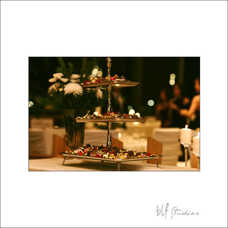 creative wedding cake winnipeg.jpg