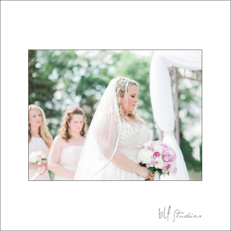 Winnipeg Wedding at The Gates (11).jpg
