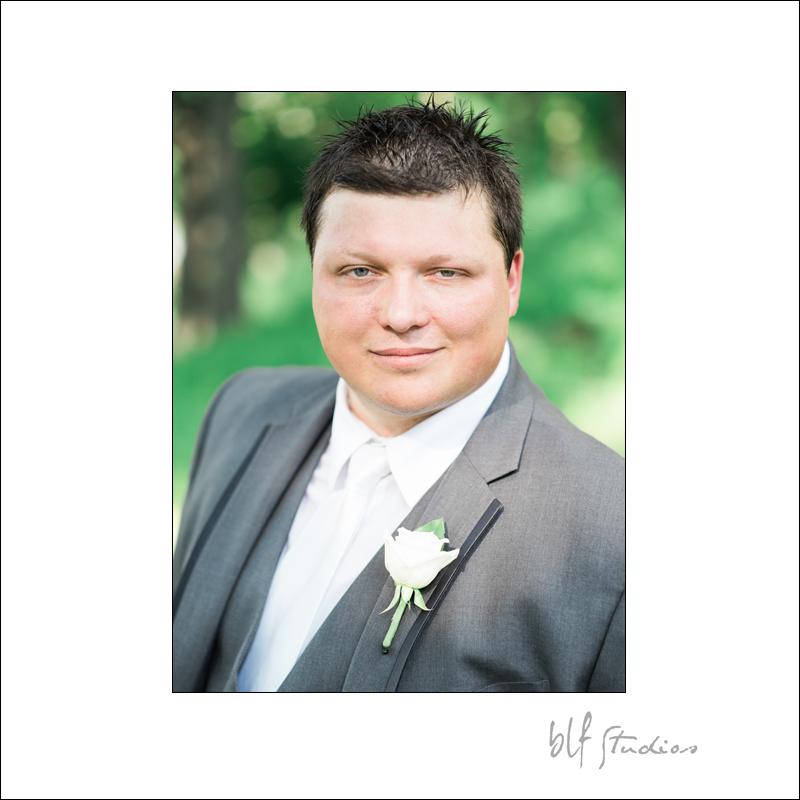 Winnipeg Wedding at The Gates (15).jpg