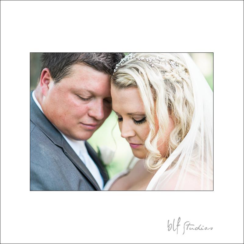 Winnipeg Wedding at The Gates (16).jpg