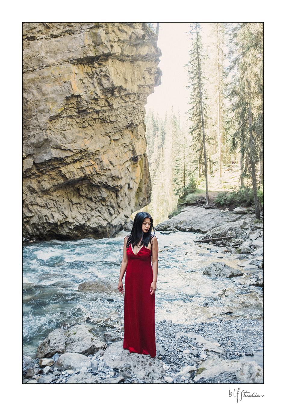 Beautiful post wedding photo shoot in Banff.jpg