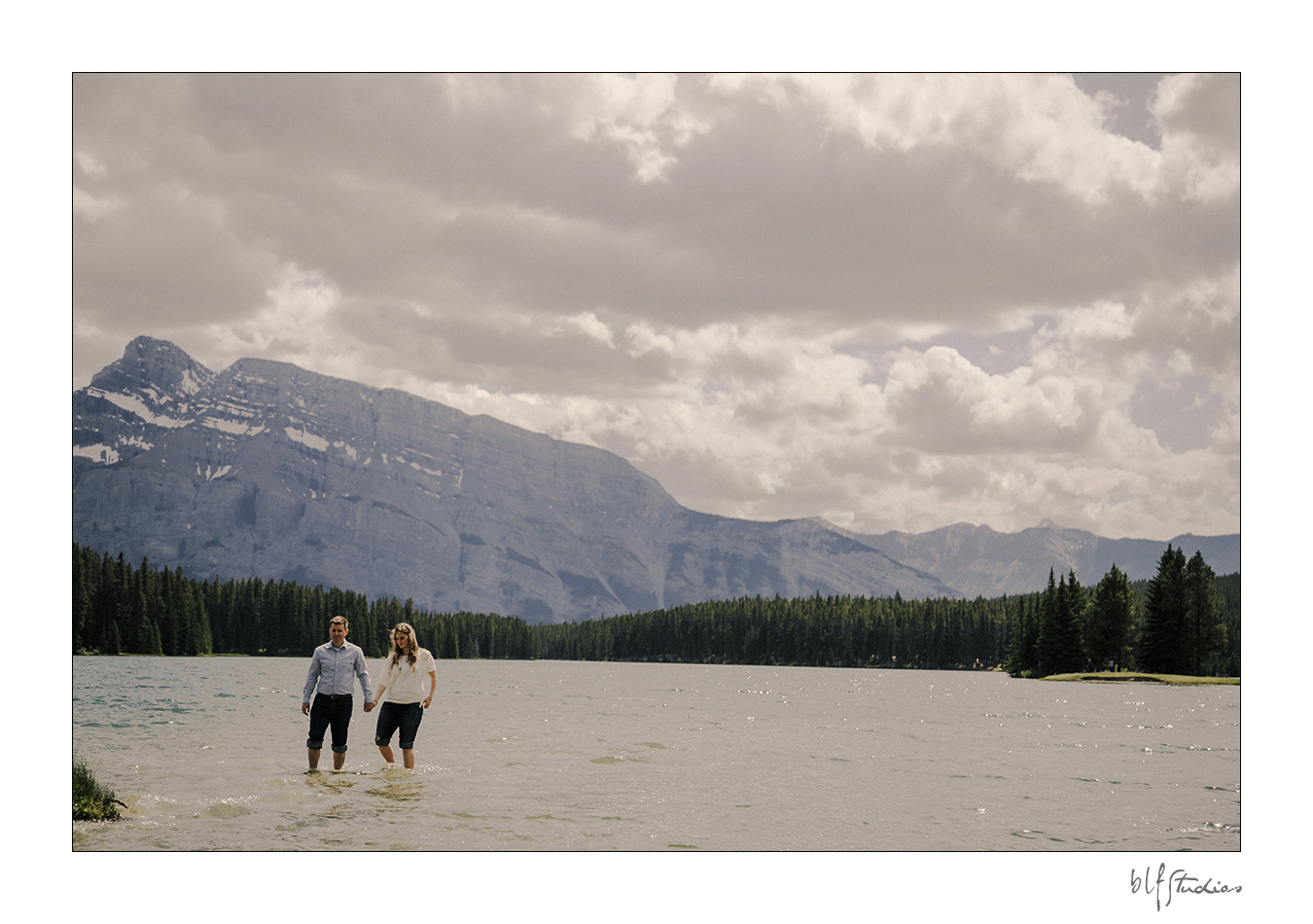 00006-blfstudios-banff-engagement-photos-amanda-eric.jpg