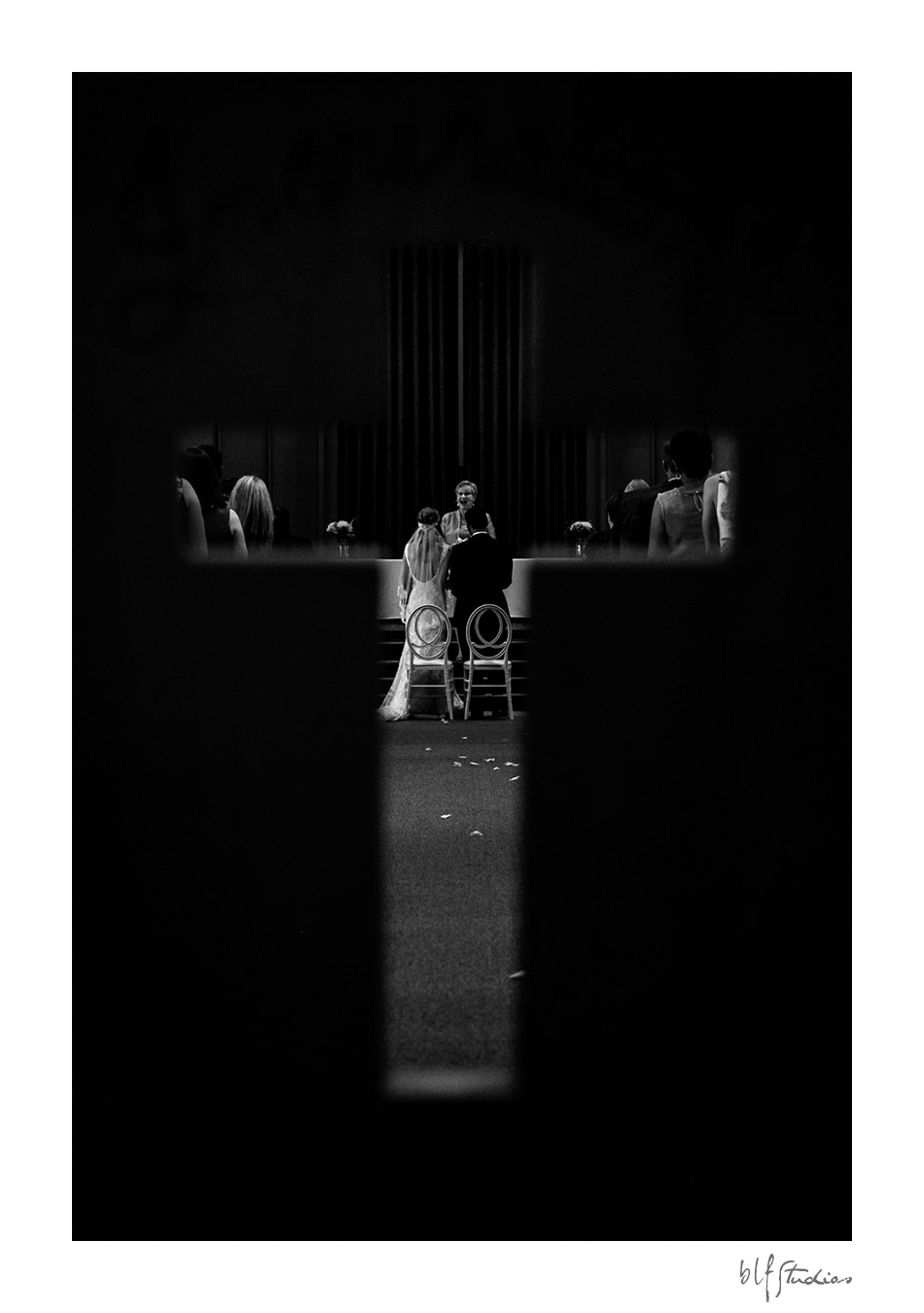 0005-winnipeg-stbonifacegolfcourse-wedding-blfstudios.jpg
