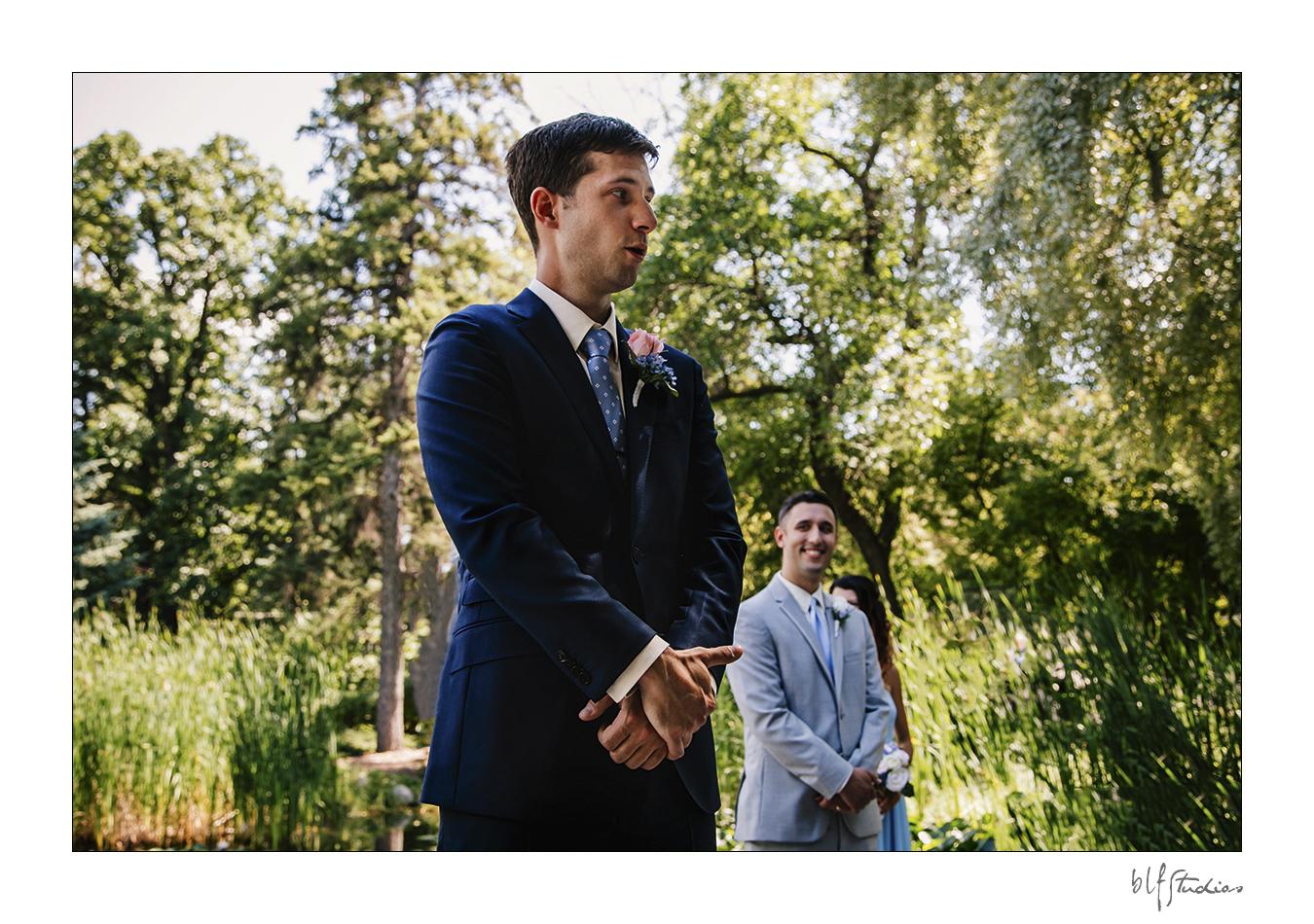 007-Leo-Mol-assiniboinepark-winnipeg-wedding.jpg
