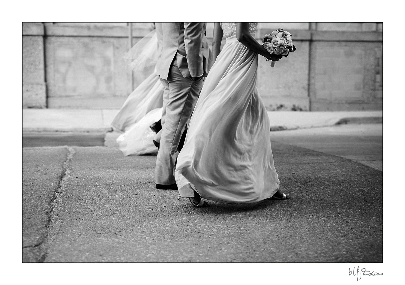 015-Leo-Mol-assiniboinepark-winnipeg-wedding.jpg