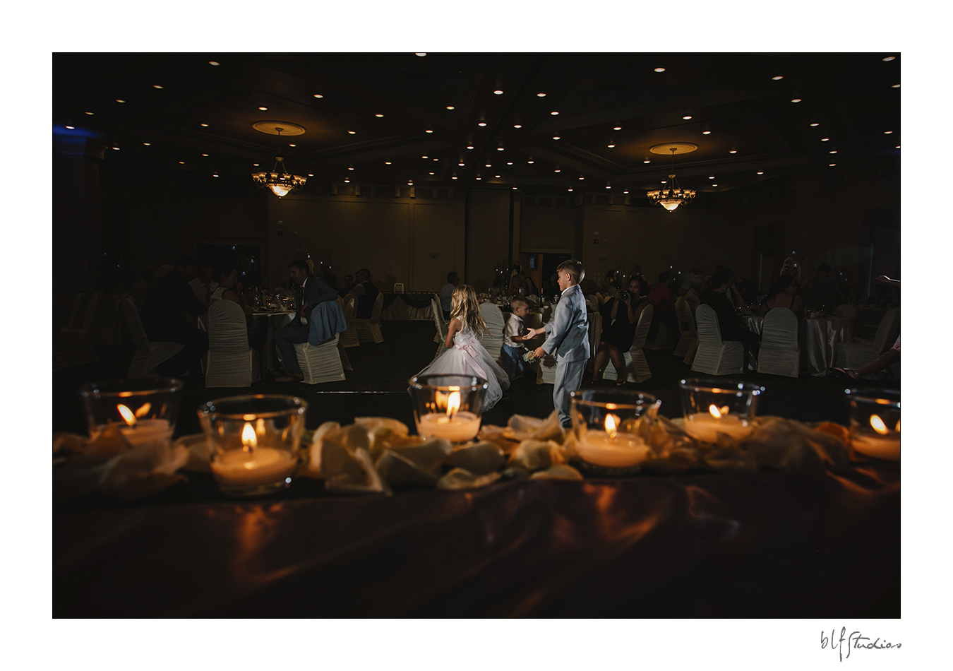 023-Leo-Mol-assiniboinepark-winnipeg-wedding.jpg