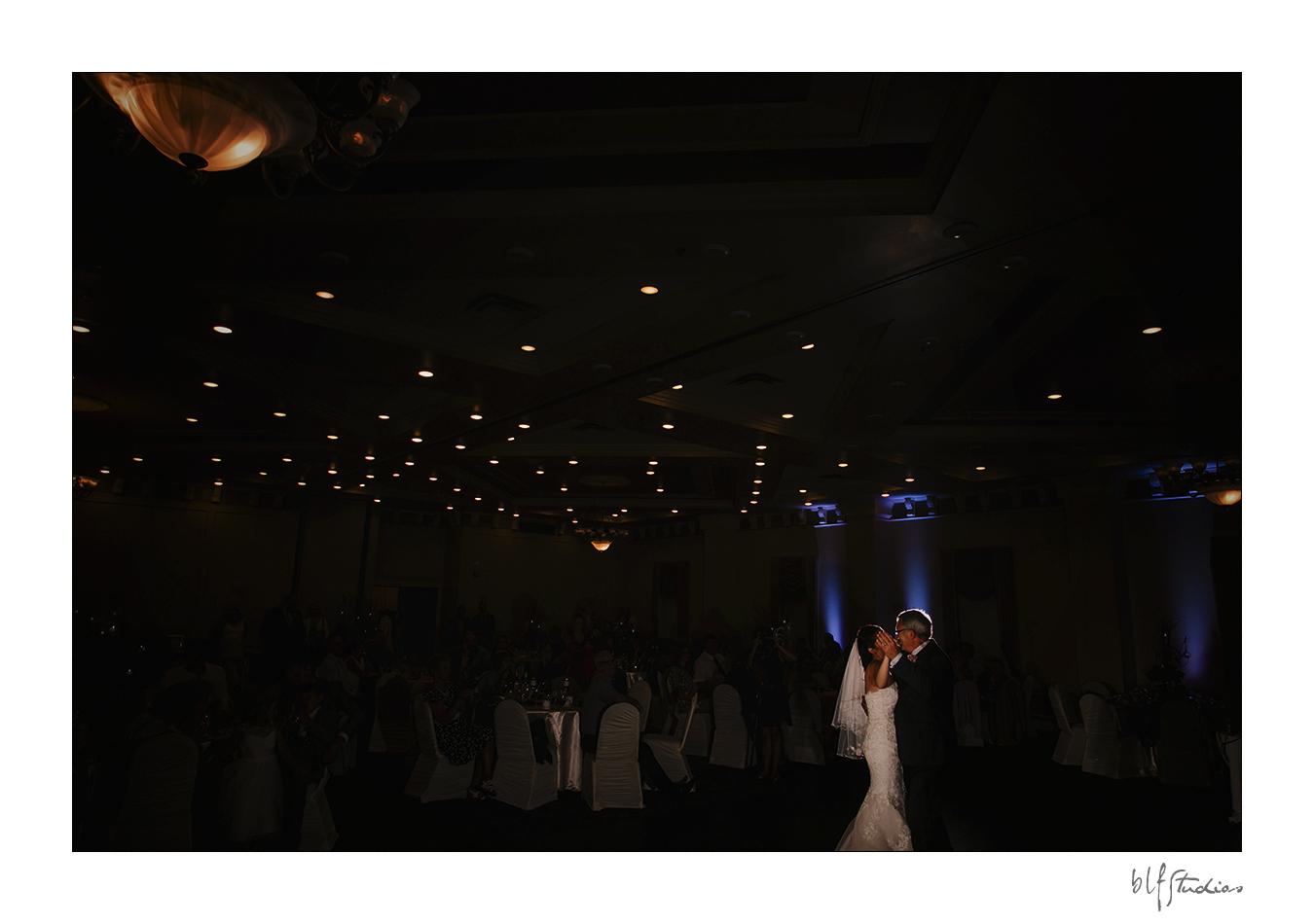 026-Leo-Mol-assiniboinepark-winnipeg-wedding.jpg