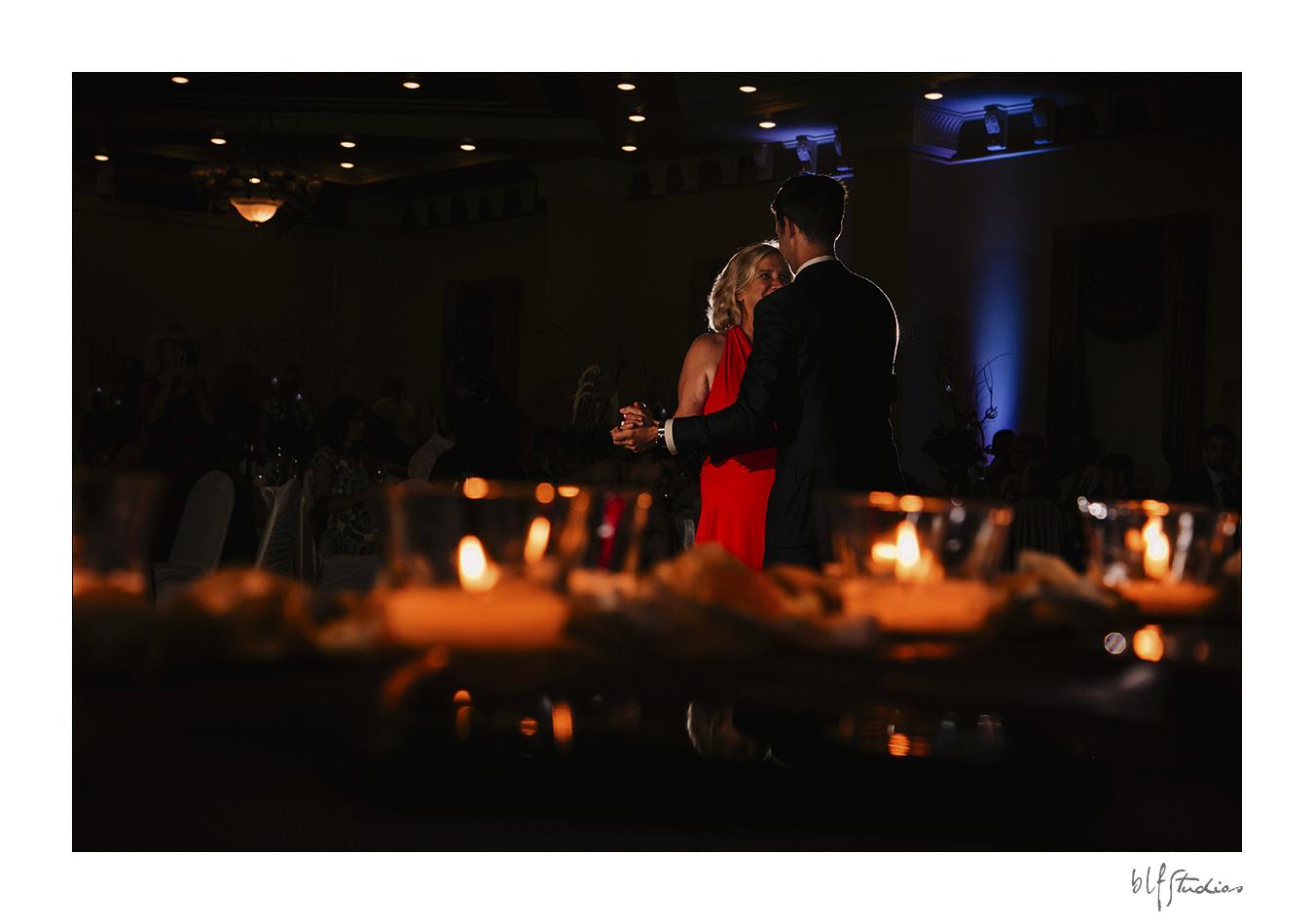 027-Leo-Mol-assiniboinepark-winnipeg-wedding.jpg
