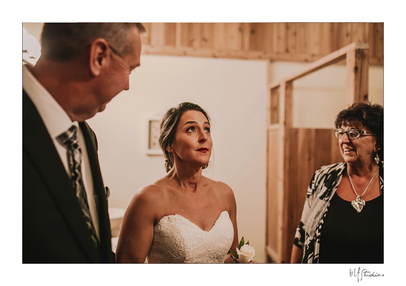 009-winnipeg-hitchnpost-wedding-marla-alana.jpg