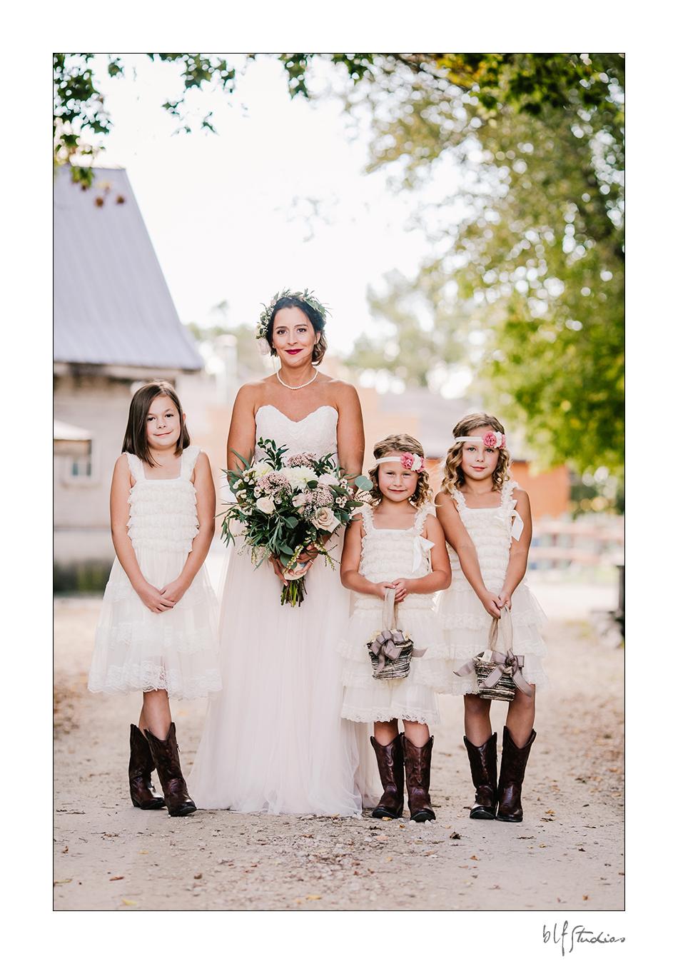 017-winnipeg-hitchnpost-wedding-marla-alana.jpg