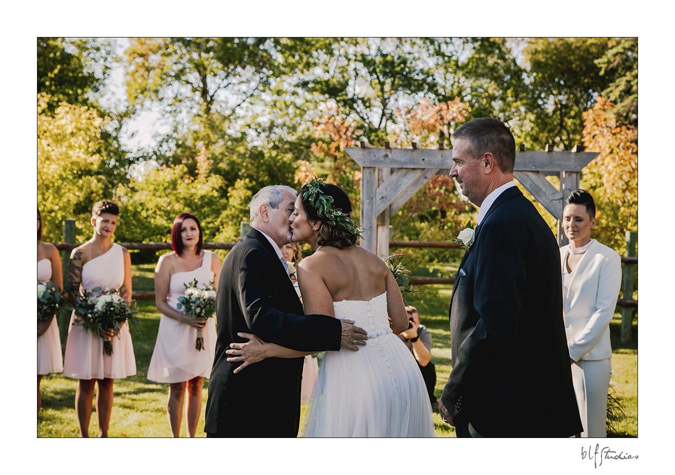 028-winnipeg-hitchnpost-wedding-marla-alana.jpg