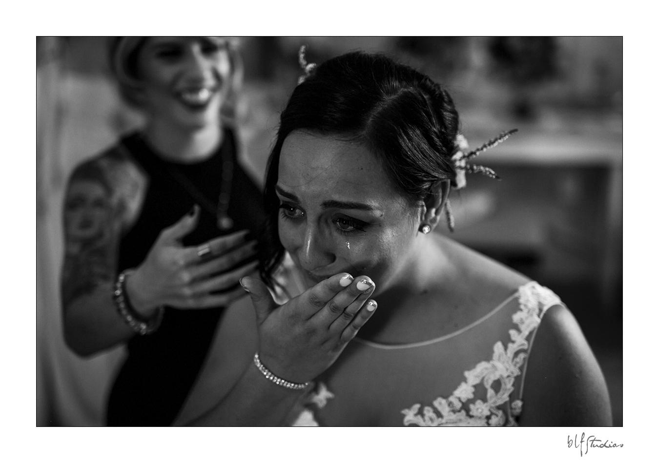 005-manitoba-rustic-barn-wedding-photos.jpg