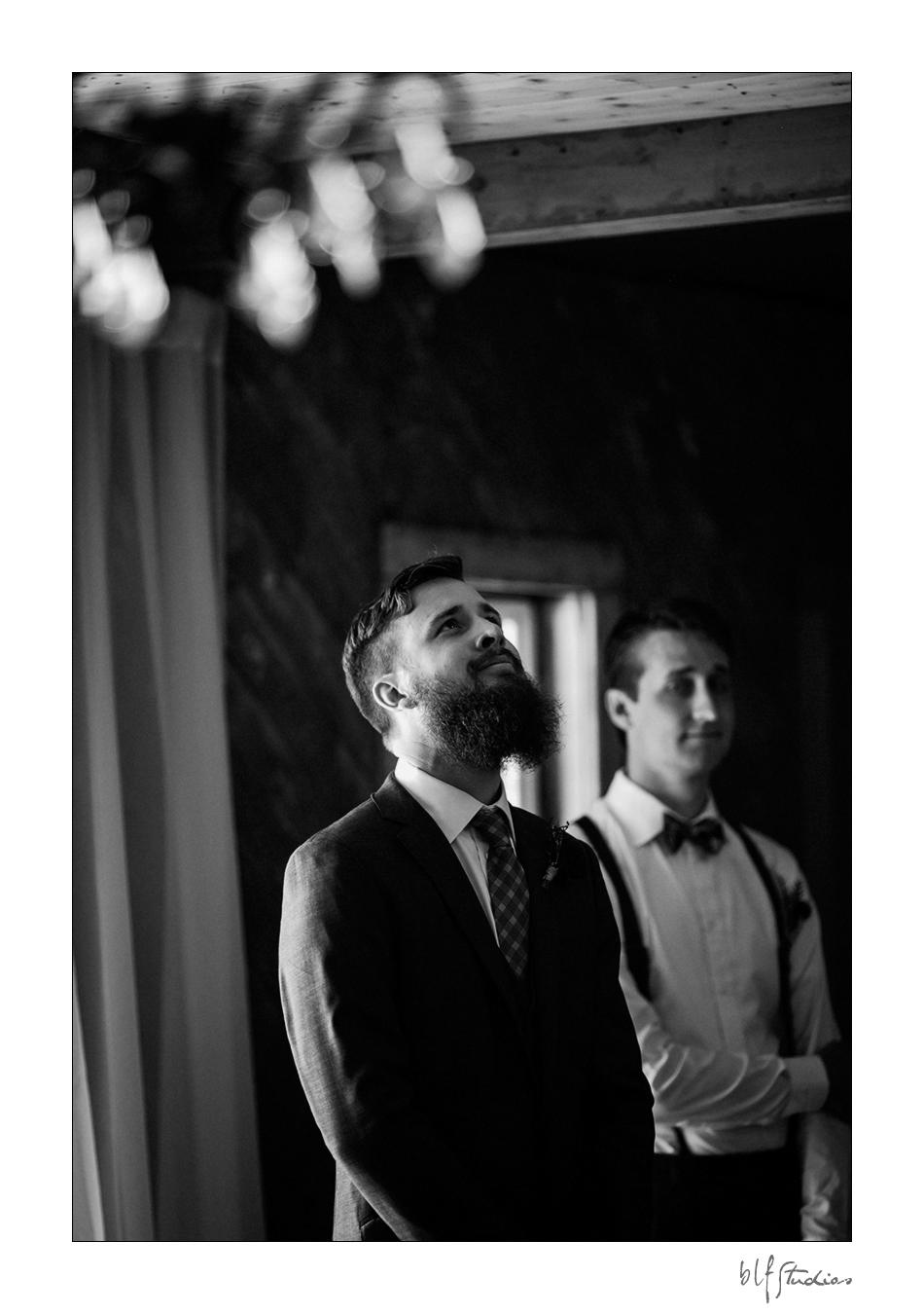 007-manitoba-rustic-barn-wedding-photos.jpg